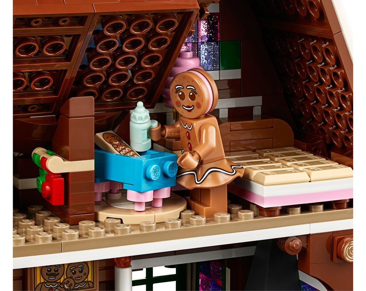 lego-creator-expert-10267-gingerbreadhouse-0011