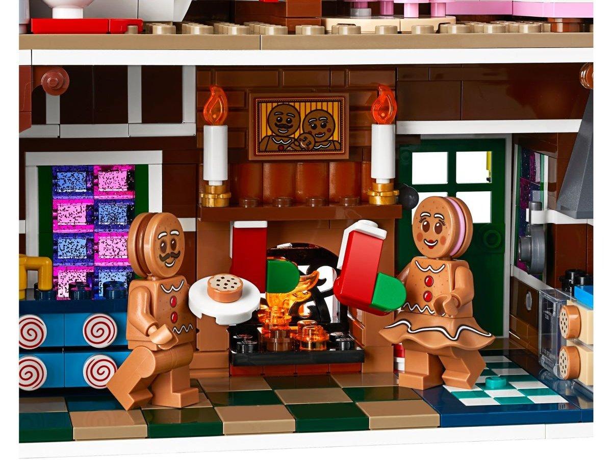 lego-creator-expert-10267-gingerbreadhouse-0012